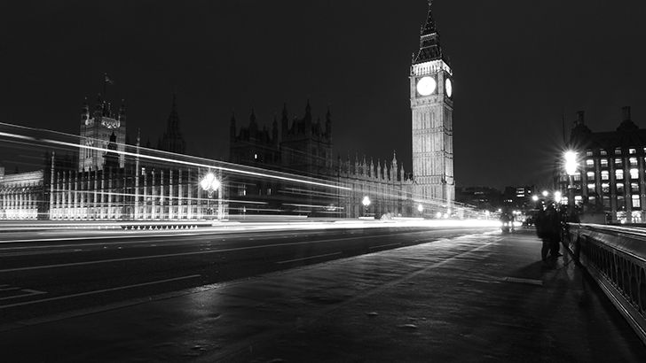 London night in black and white  http://5kwallpapers.com/wall/london-night-in-black-and-white  #london #night #blackandwhite #street #dark #urban #city
