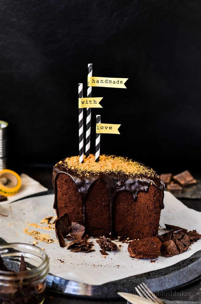 ... traits /-/ Glazed Chocolate Blueberry cake with Cookie crumb crust