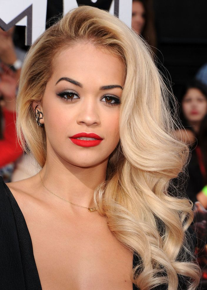 Wavy Hairstyles honey blonde wavy bob with pastel green highlights Celebrity Long Wavy Hairstyles