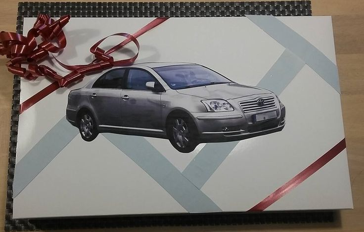 Blue strips and a toyota avenses to decorate a present for my father.
