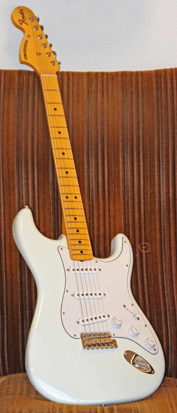 fender cs  69 strat vg ltd nos guitares pinterest guitares et musique musique noel musique douce