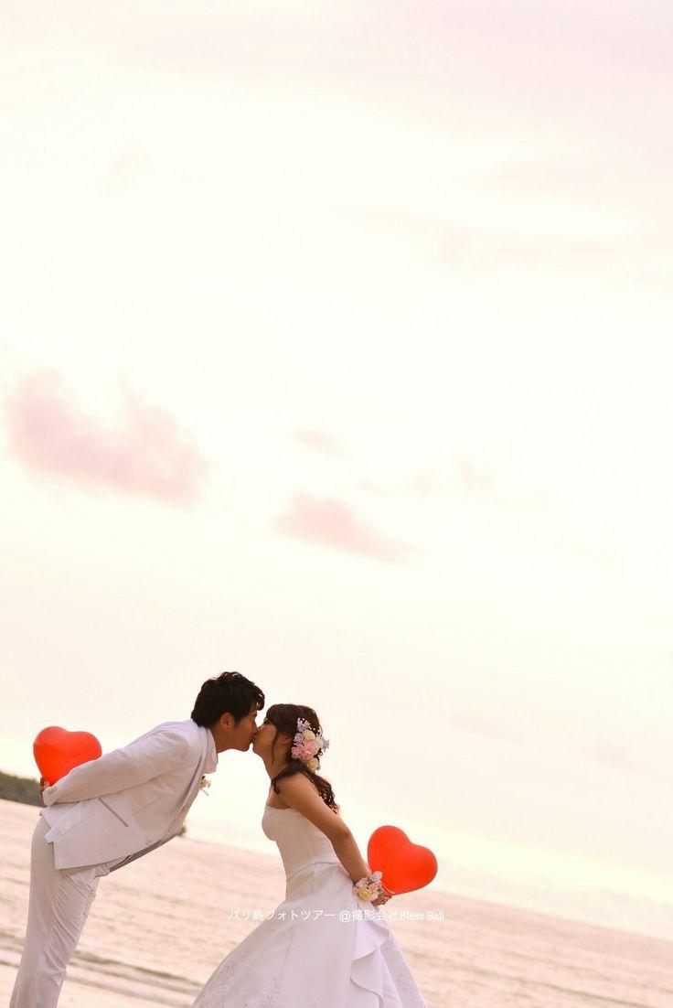 E&L様のサンセットフォト ハート💓のバルーンを持ってミッキー&ミニーキス😘 お客様レポはウェブで一覧紹介しています👇 http://bali-photowedding.com/guest.html #バリ #バリ島 #キス #マジックアワー #夕焼け #サンセット #フォトツアー #フォトウェディング #前撮り #後撮り #プレ花嫁 #卒花嫁 #2017夏婚 #2017春婚 #キスシーン #バルーン #marryxoxo #bali #balifotowedding #prewedding #baliwedding #발리 #혼례 #결혼사진 #신흔여행 #蜜月 #巴厘岛 #婚纱摄影 #巴厘島 #婚紗攝影