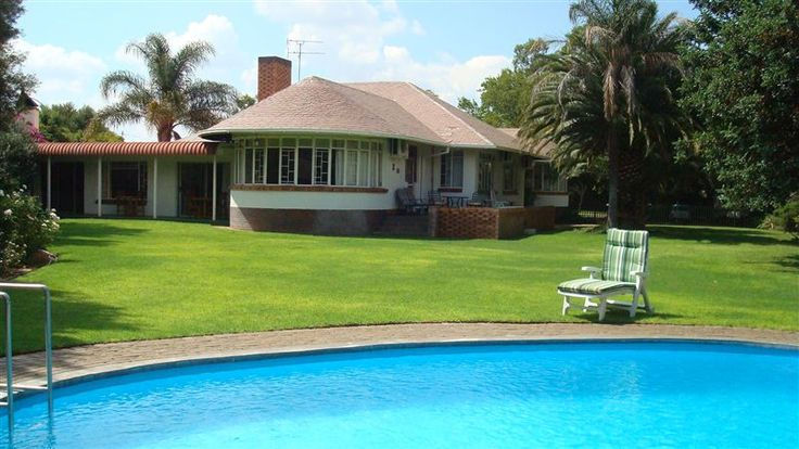 Carrington Lodge - Carrington Lodge offers elegance, comfort and hospitality in the Diamond City. Enjoy luxury accommodation in a warm friendly atmosphere. Each room has hospitality tray, a bar fridge, own TV and either ... #weekendgetaways #kimberley #southafrica