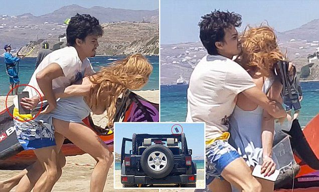 Lindsay Lohan: 'No woman can be hit like this and stay with her man'