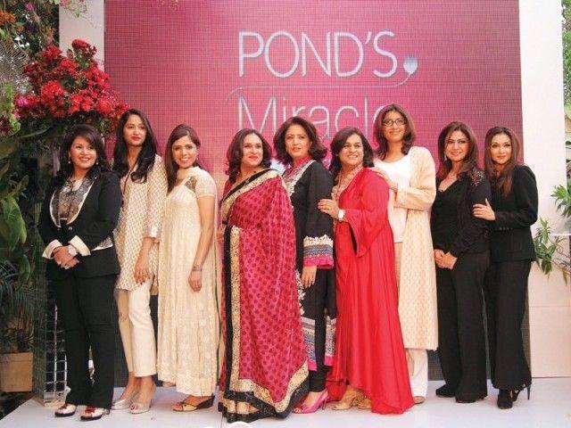 KARACHI: Pakistans Top 10-Wunder-Mentoren wurden anlässlich einer Veranstaltung am …   – FashionTrendsInPk.Com