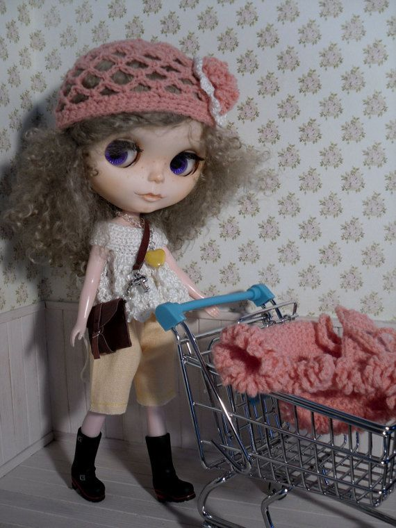 Spring outfit for Blythe by LittleGiftCove on Etsy