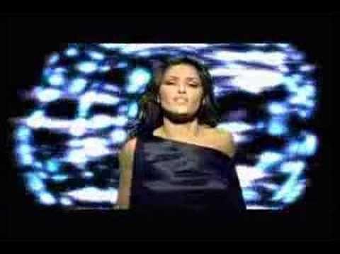 Antique - Moro Mou (Greek Version)Helena Paparizou singing the Greek version of this song. Lyrics: Espases tin amina mou kai den antistexomai ston isto sou exo mperdeftei San trelei xtipaei i kardia mou Kai olo esena skeftomai Ipoxi to soma kai i psixi Moro mou, petheno Stin kolasi pigeno Moro mou, se thelo Kai as kaooo Tora epesa apta tixi Kai sou paradeinomai Ipoxirio sou eimai pia Mesa sto diko sou dixti emeo afinomai kai na grafete exo ine arga Moro mou, petheno Stin kolasi pigeno Moro..