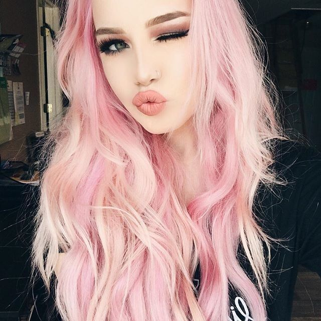 Grey And Pink Makeup With Matte Velvetine Lips Wake Up And Makeup Hair Pink Hair Pastel Pink Hair