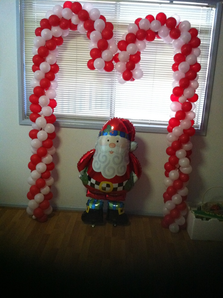 49 best christmas party decorations images on pinterest for Candy cane balloon sculpture