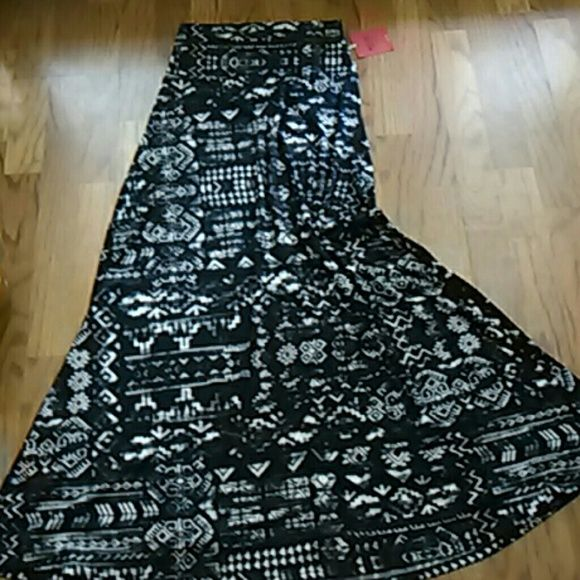 Aztec maxi skirt NEW with tags from Target Black and white tribal pattern.  Can fold waist down. Mossimo Supply Co. Skirts Maxi