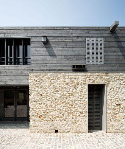 Deep set shutters.  Maison du Parc Naturel Regional du Gatinais Français - JolyLoiret