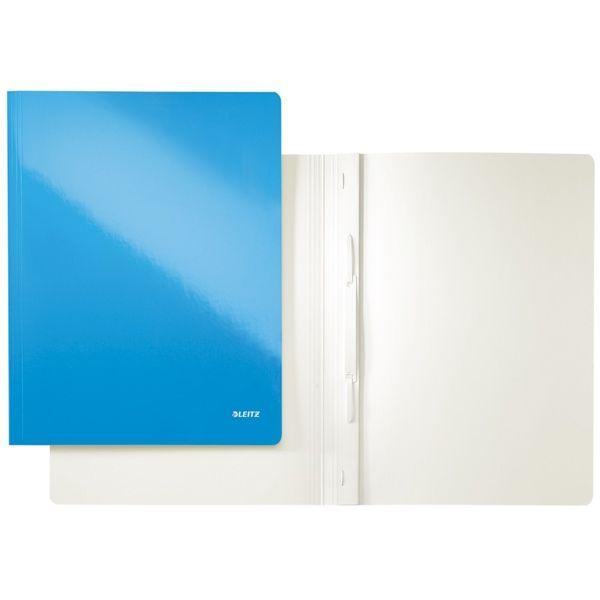 Leitz WOW offertemap blauw metallic  |  De Leitz WOW offertemap blauw metallic heeft een capaciteit van 250 A4 pagina's. Deze map heeft dezelfde mechaniek als een snelhechter zodat ook alle geperforeerde documenten gemakkelijk opgeborgen kunnen worden. Door het PP gelamineerde papier zijn deze mappen bestand tegen stof en vuil en zijn ze ook geschikt als presentatiemappen.