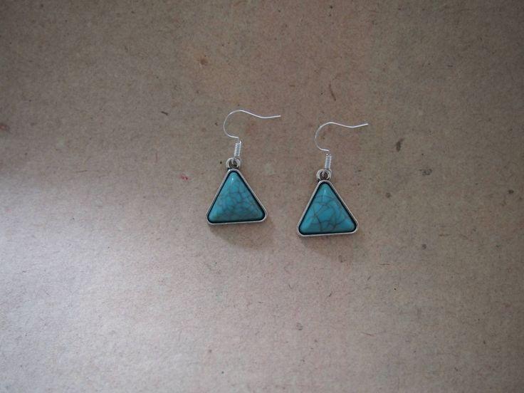 Ohrringe Dreieck Antiksilber mit türkisenem Stein, Imitat Howlith von PfullingerEngele auf Etsy