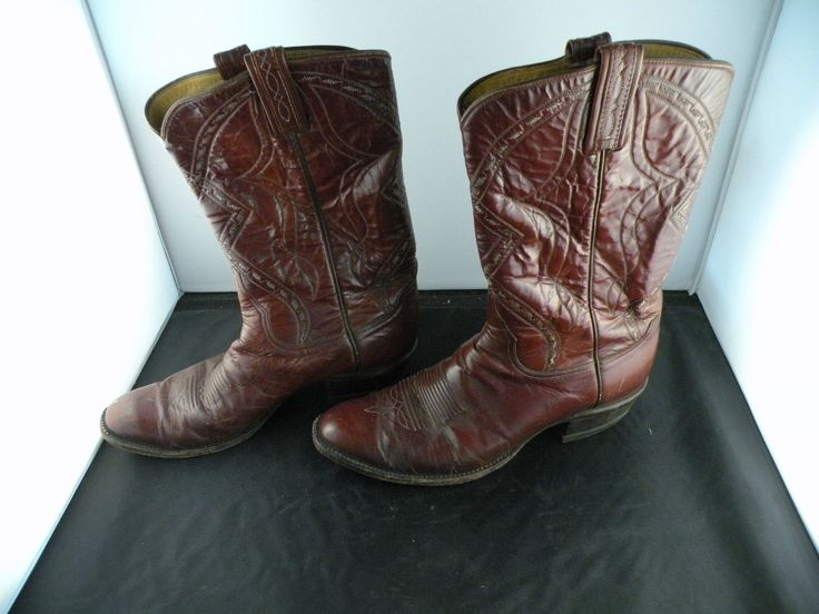 News Gorgeous vintage leather cowboy men's boots, Tony Lama, brown, great condition    Gorgeous vintage leather cowboy men's boots, Tony Lama, brown, great condition  Price : 165.0  Ends on : 2015-12-11 15:07:28  View on eBay   [... http://showbizlikes.com/gorgeous-vintage-leather-cowboy-mens-boots-tony-lama-brown-great-condition/
