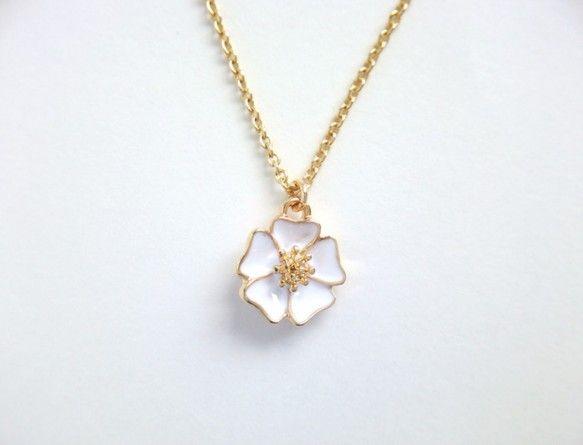 ネックレス 白い花 ネックレス・ペンダント ハンドメイド通販・販売のCreema