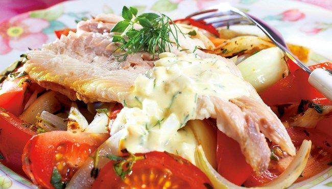 Savusiika, munakastike ja tomaattiwokki - K-ruoka