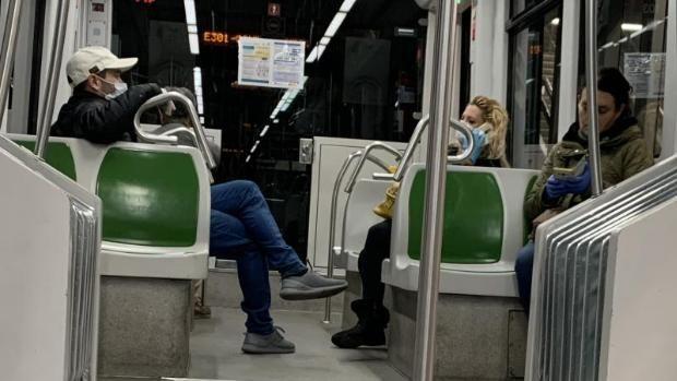 Pin De Nethkaypi En Metros Urbano Sevilla Transporte