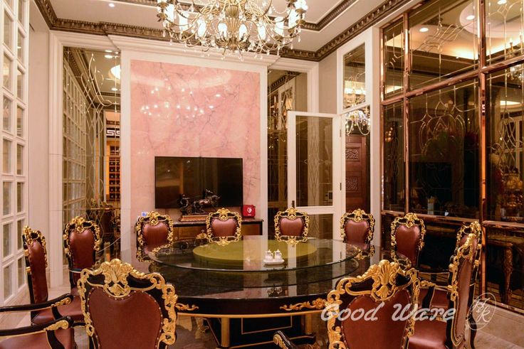 Modern baroque interior design by GoodWare Décor   This is a private mansion. The interior space is huge and the interior design is gorgeous. It isn't the life that general people can imagine. Let's enjoy the luxury and modern baroque interior design from these pictures! #hugemodernmansion