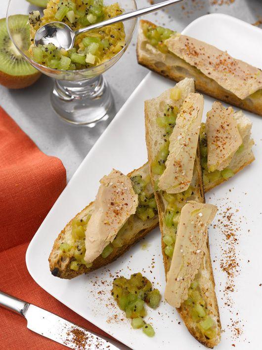 Pique-nique printanier : la tartine de Foie Gras et sa compotée de kiwis au piment d'Espelette - Le Blog du Foie Gras #recette #foiegras