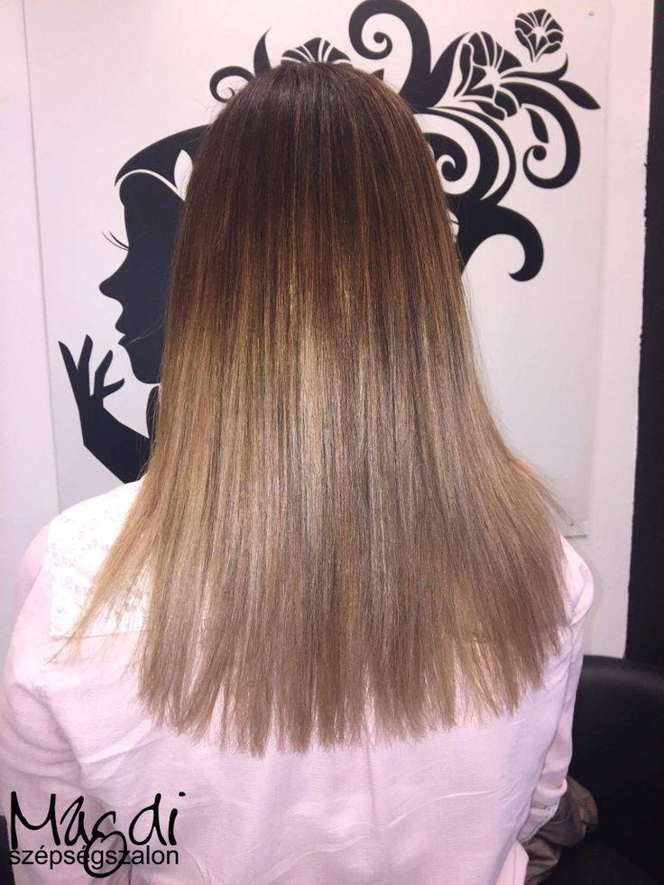 Festéssel a szép hajért, legyen az akár ilyen gyönyörű világos :)  A lányok már rutinosak, ahogy Noémi festése is bizonyítja. ;)