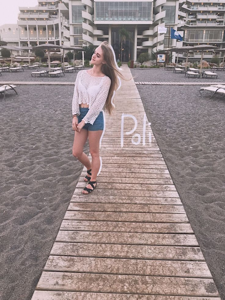 #cute #girl #tumbler #poli #aesthetic #resort