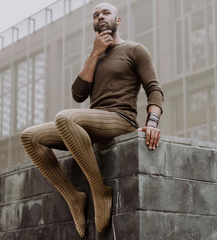 men-wanting-to-wear-pantyhose