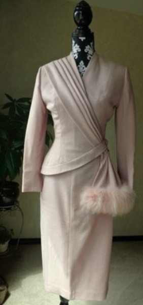 Late Forties Assymetrical Hour Glass Lilli Ann Suit1940 S, 1940S Suits, 1940S Pink Suits, 1940S Assymetrical, Hour Glasses, Anne Suits, Late 1940S Fashion, 1940S Projects, Lilly Anne