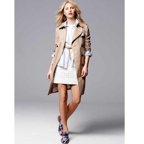 Gap Women Classic Trench Be in style rain or shin! Like new. 100% cotton GAP Jackets & Coats Trench Coats