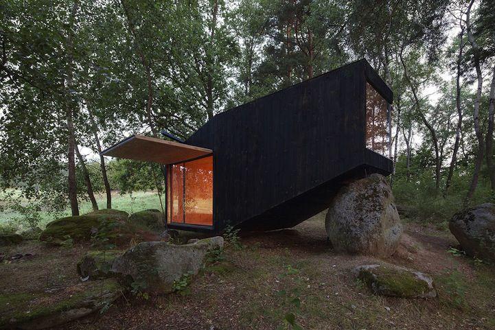 house on the rocks.