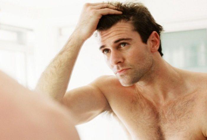 Κρατήστε τα μαλλιά σας επί... κεφαλής! μπορεί να οφείλεται στην αλλαγή του καιρού, σε ψυχολογικά αίτια όπως το άγχος καθώς επίσης και στην κληρονομικότητα.
