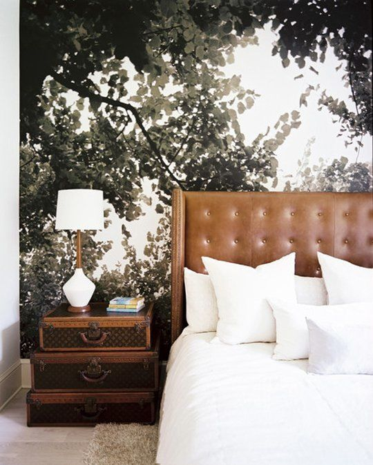 Have you ever considered bringing your favorite natural scene into your own space to enjoy all year round? Wall murals and huge scale nature art can be a bit tricky, since there's a wide selection of options of varying quality. If you're inspired to create a beautiful indoor retreat, check out these examples of the look done right.