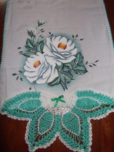 Pano de prato pintura em tecido e crochê