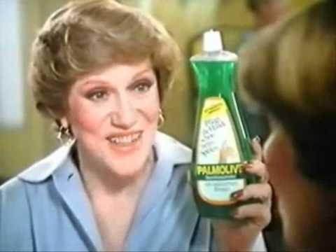 """Tilly : """"Sie baden gerade ihre Hände darin."""""""