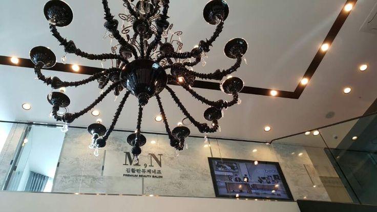 Custom Venetian chandelier, Salon Musee Neuf, Seul, Corea del Sud