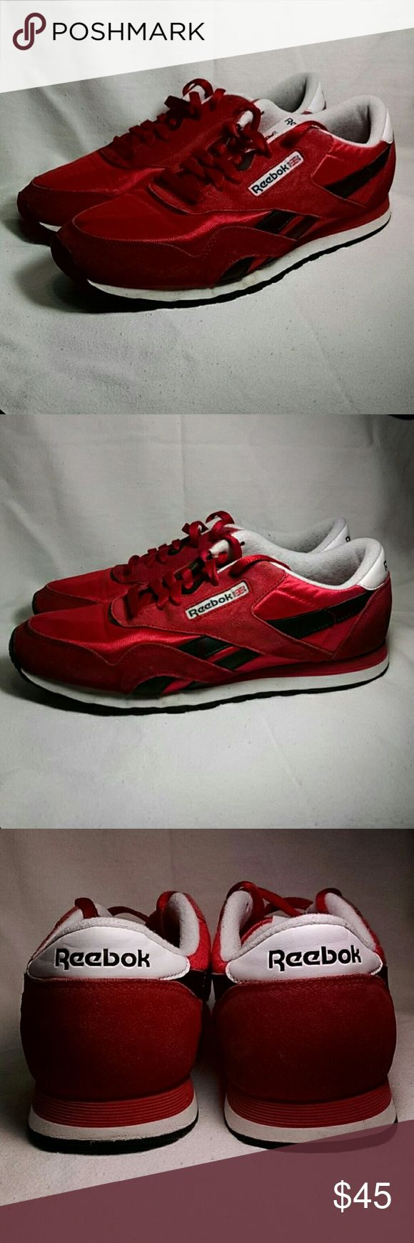 Reebok Classic Sneakers Men's Size 10 Reebok Classic Sneakers Men's size 10. Varsity Red and black. Upper canvas in excellent condition and soles show little noticable wear. Reebok Shoes Sneakers