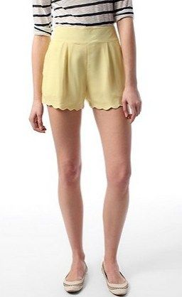 yellow scalloped shorts? yes, please!
