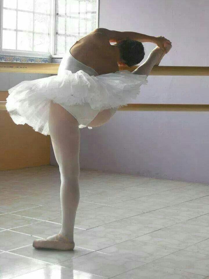 Abbigliamento danza . Negozio AXPRA a San Benedetto del tronto