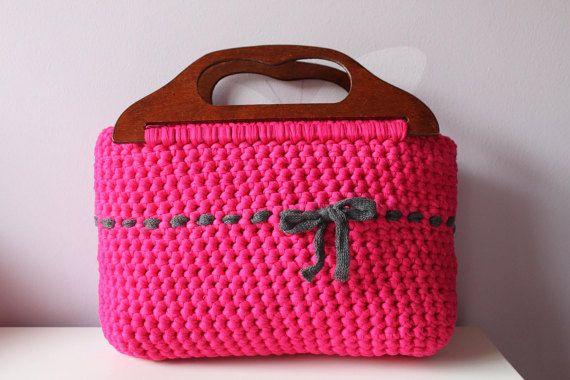 Pink crochet wooden handles bag. Hooked Zpagetti bag. T-shirt yarn.