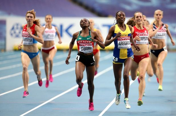 Kenya's Hellen Onsando Obiri and Sweden's Abeba Aregawi compete in the Women's 1500 m semi-final.