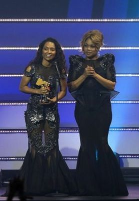 brandy norwood tlc | TLC RECEIVES LEGEND AWARD AND DELIVERS EPIC PERFORMANCE AT MTV VMAJ ...