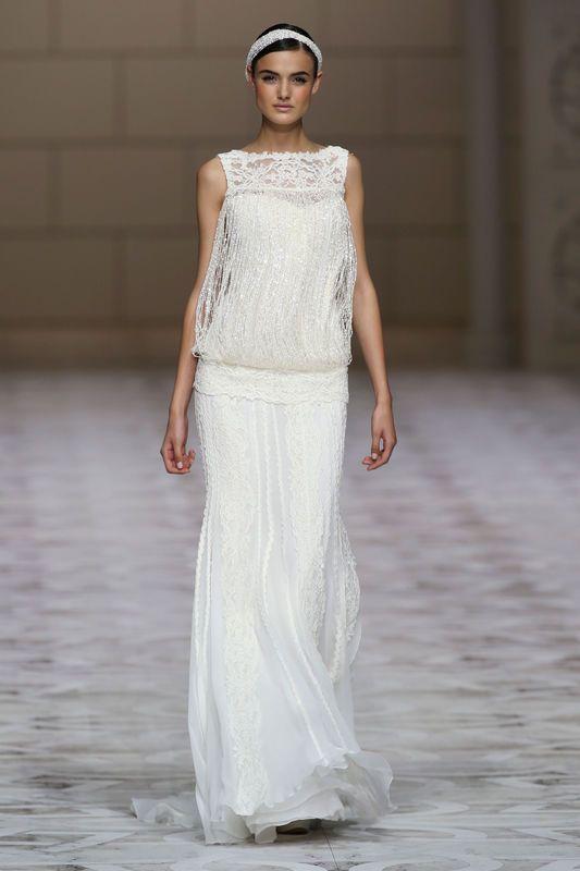 Suknie ślubne 2015 - trendy, wianek, Pronovias, fot. Imaxtree