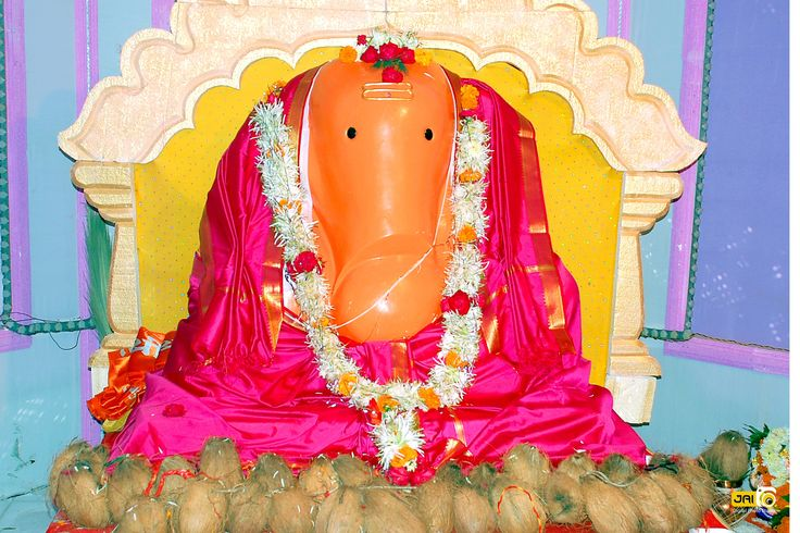 Ganaraya.in is an website containing information about ganapati mandals in Maharashtra to aware people about the noble history of ganapati mandals.