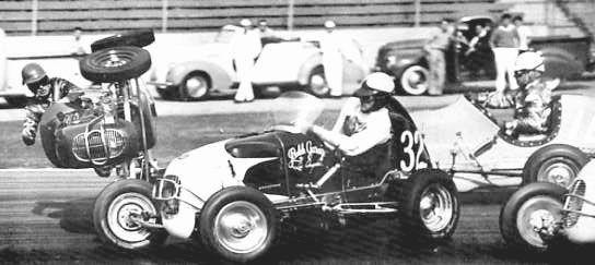 Spectacular photo's, Midget action - Auto Racing Memories | Vintage Race Cars