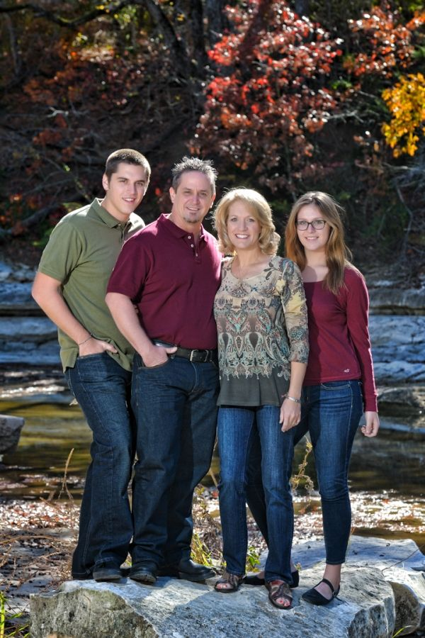 outdoor family photo, creek
