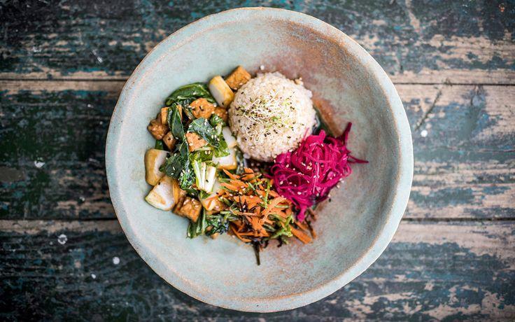 Recept uit vegan kookboek Happy Pear: smashing Japanse rijst-met-groentekom