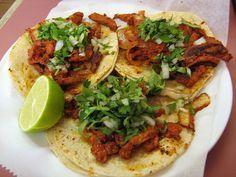 Los Tacos al Pastor que nunca alcanzan, es una receta que sabe delicioso y además es super fácil de hacer.