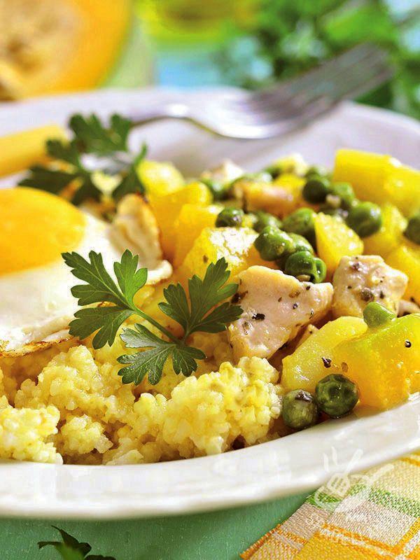 Il Miglio con pollo, uova e verdure è un vero e proprio piatto unico, ideale per chi si vuole mantenere leggero senza rinunciare alla golosità!