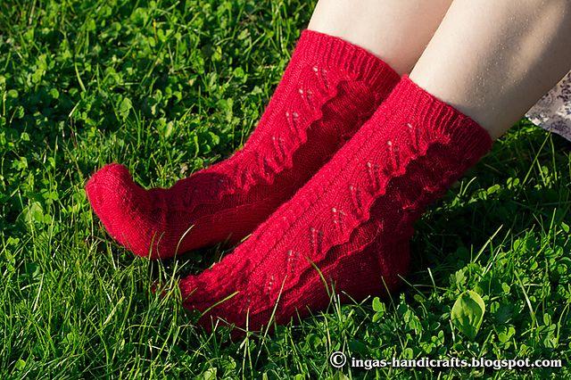 Ravelry: Inga-s' Red leaves socks