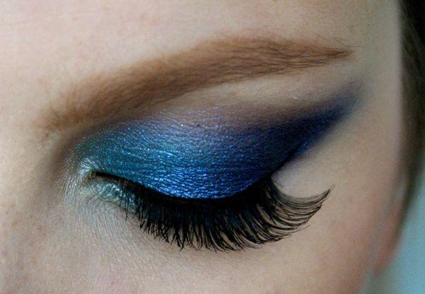 Výrazné Fialovo-Tyrkysové Kouřovky Makeup