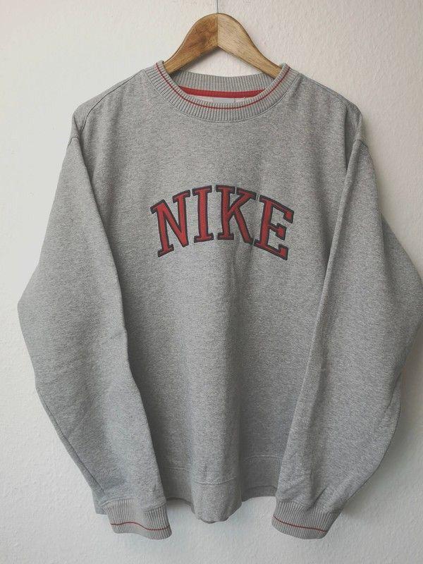 Vintage And Worn Looking Crew Neck Sweatshirt In 2020 Vintage Nike Sweatshirt Trendy Sweatshirt Vintage Hoodies